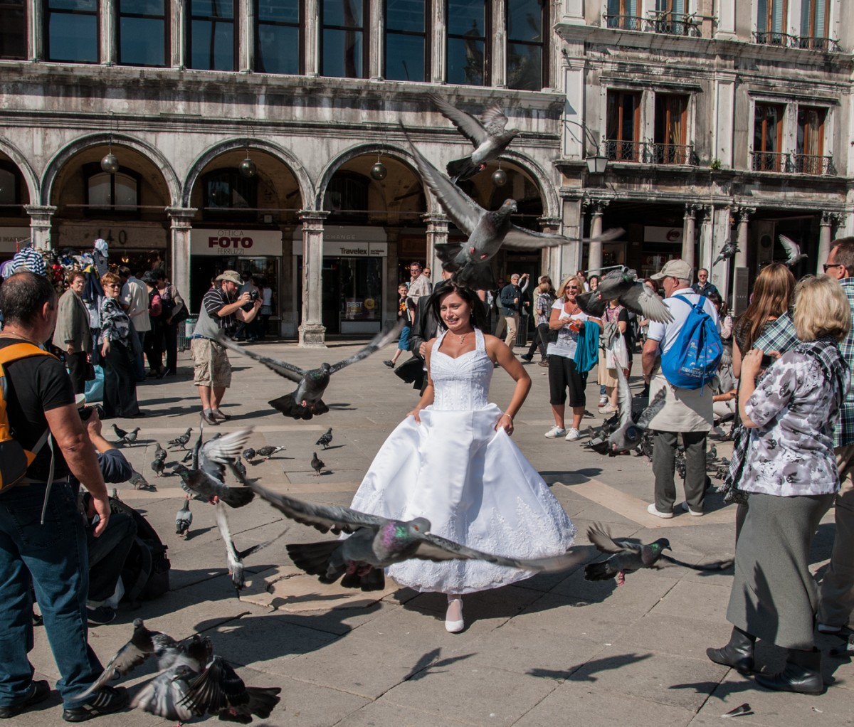 Came across this wedding in the Piazza.